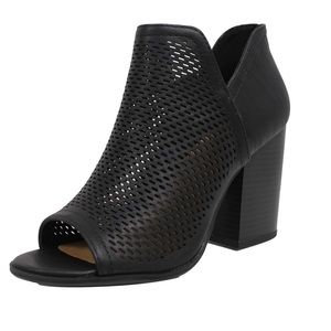 Shoes - RESTOCKED!!! Black peep toe perforated stack block